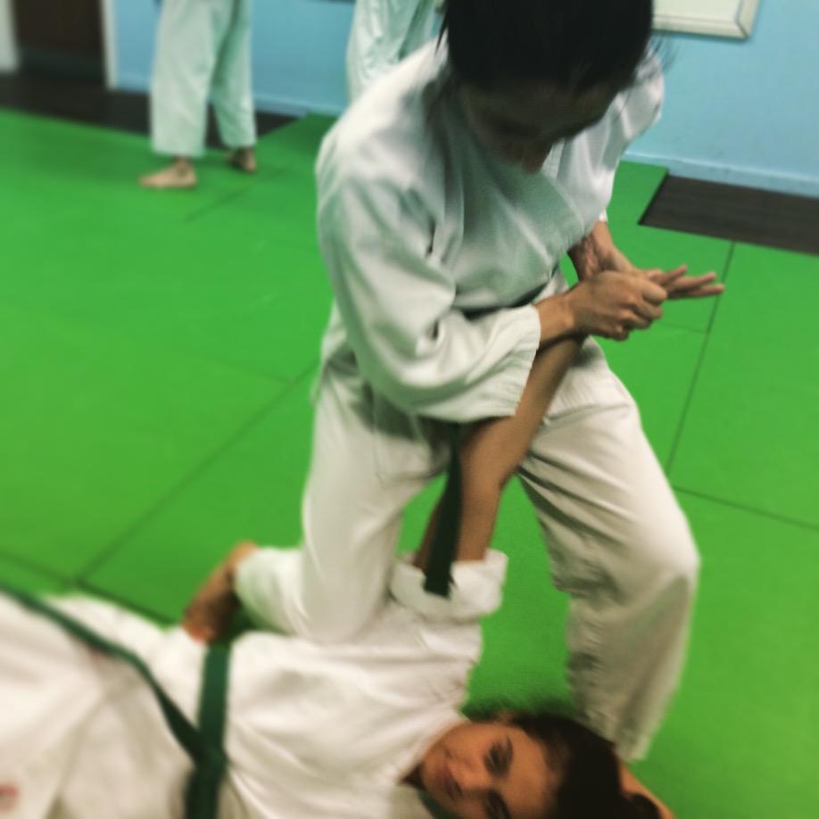 Ju Jitsu wrist lock takedown